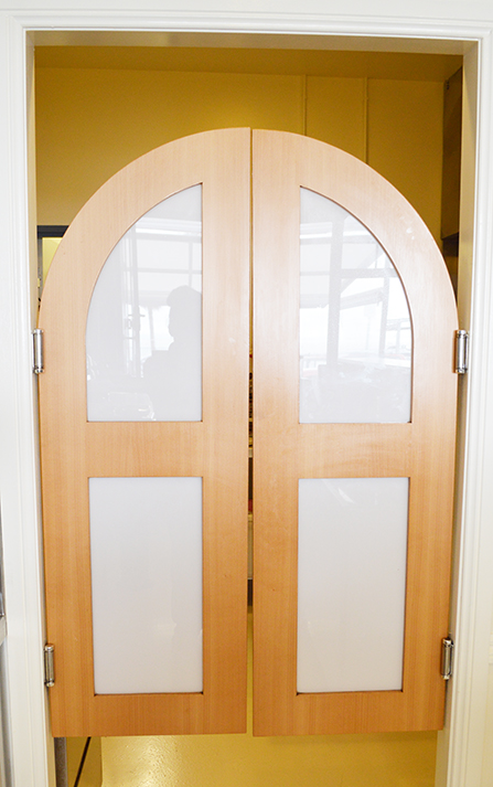 Laminate Batwing Doors & Take a look @ Cafe Redcliffe u2013 GRASSHOPPER CONSTRUCTION u0026 DESIGN pezcame.com